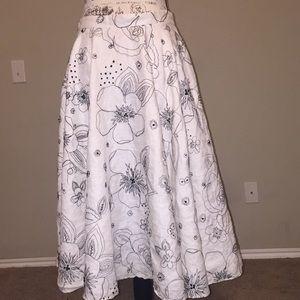 Anne Klein Sz 4 Circle skirt flower embroidery